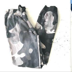 Nike Boys Camouflage Pants Black Gray Size L
